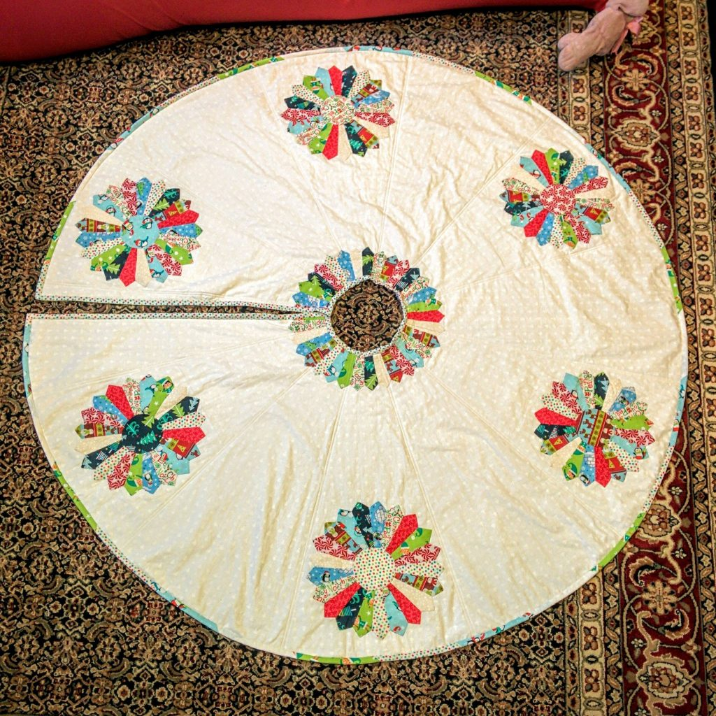 Dresden Tree Skirt